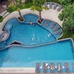 โรงแรมแอมเบอร์ พัทยา : สระว่ายน้ำ